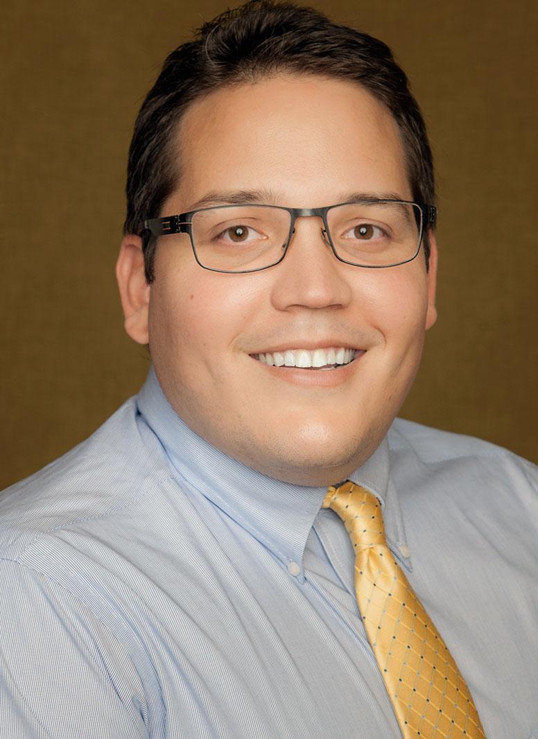 Green Valley Dentist: Dr. Sosa